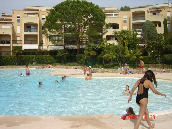louer appartements studio vacances piscine cannes gites de france 06 alpes maritimes cote d azur paradisier